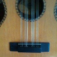 tiple strings at bridge.jpg
