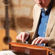 Dan Evans playing mountain dulcimer