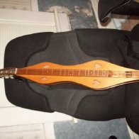 New to me dulcimer anyone recognize the style?