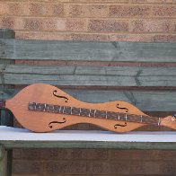 DE instruments in garden_04.jpg