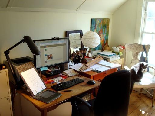 desk20181.jpg